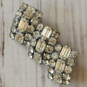 vintage high quality silver rhinestone brooch pin